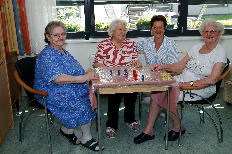 Wiens Senioren Feiern Wg Party Leisuregroupatroland Rudolph